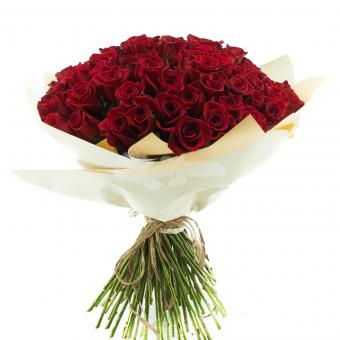 Букет из 101 красной розы в упаковке